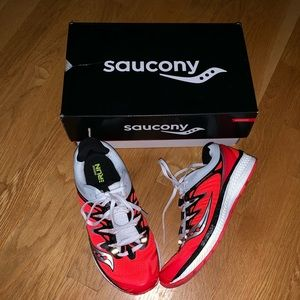 NIB Saucony Triumph ISO 4 Women's Running Sneaker